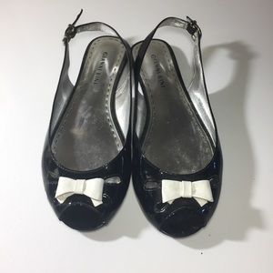 NWOT Gianni Bini Black and White Bow Flats